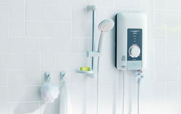 Проточный водонагреватель в интерьере